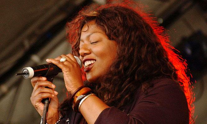 La escena electrónica despide a la vocalista Denise Johnson