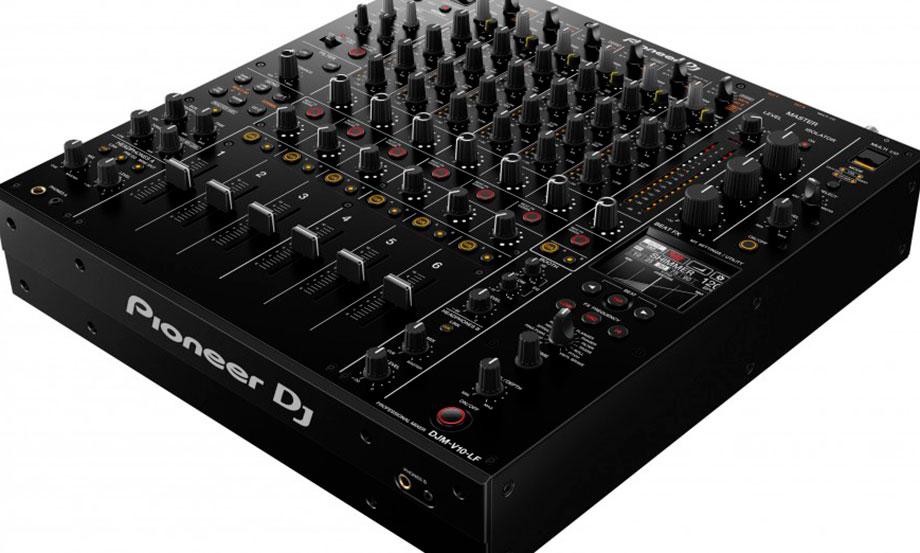 Pioneer DJ presenta una versión de su mixer DJM-V10 con faders más largos