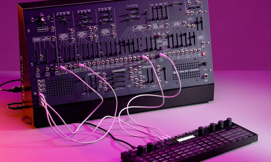 Korg anunció una versión más pequeña y barata de su remake del ARP2600