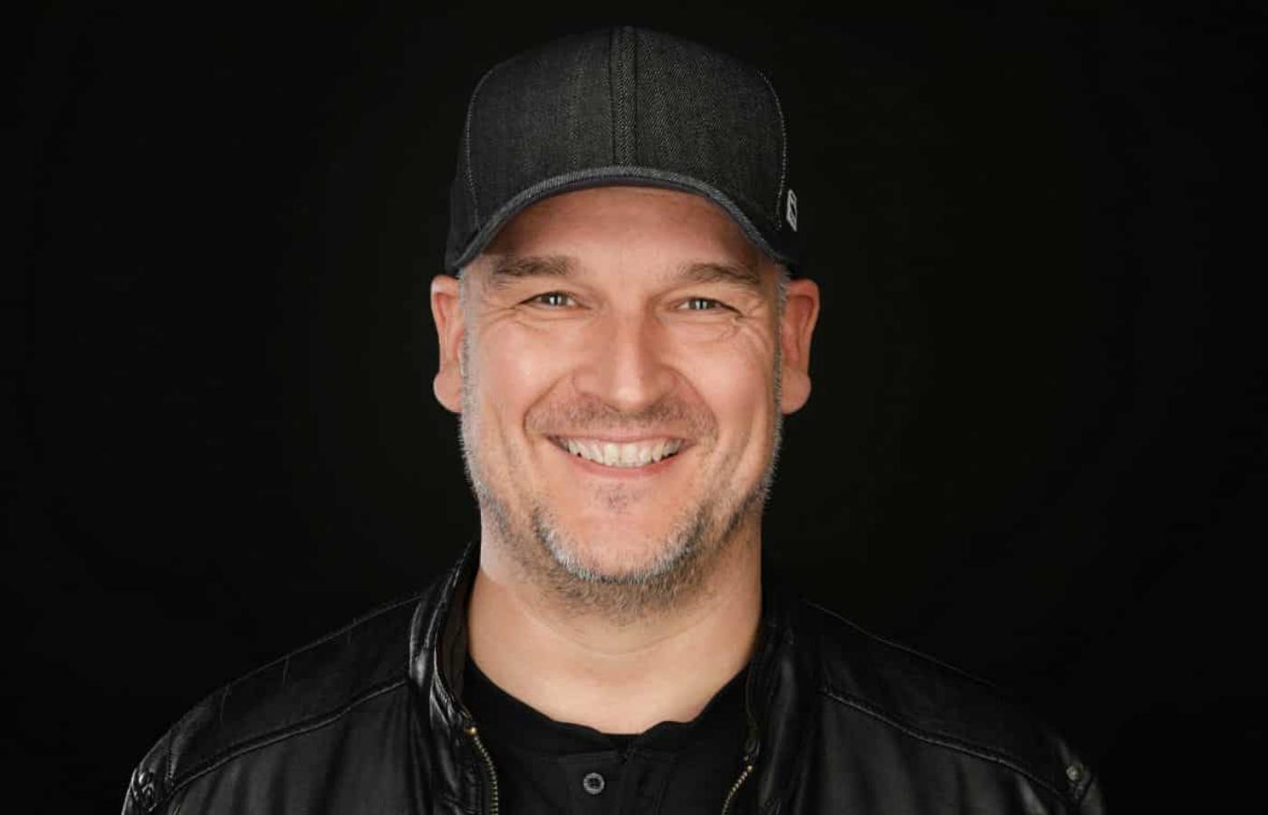 Jorn van Deynhoven lanzó el último single de su carrera