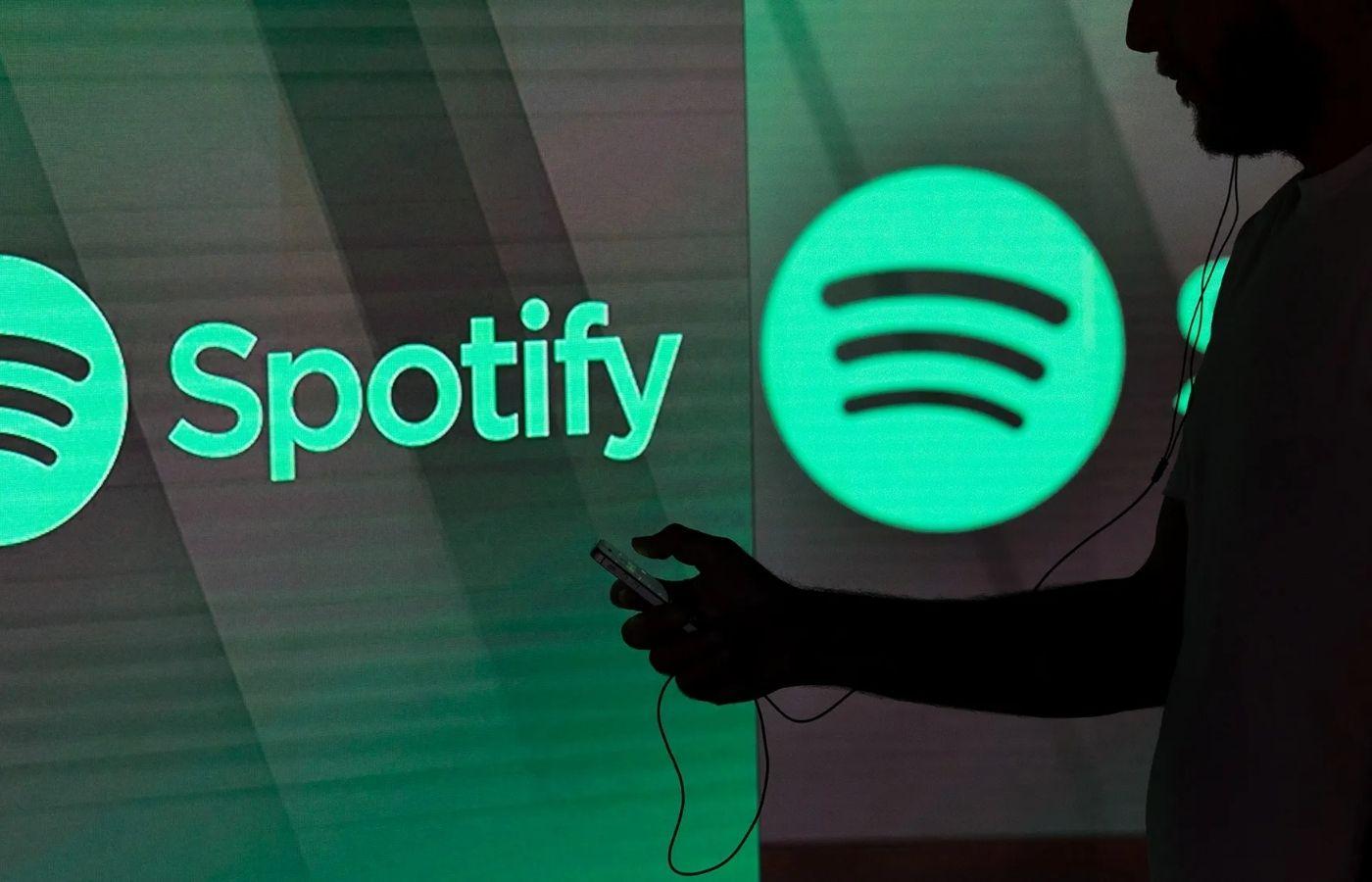 Más de 180 músicos se oponen a la nueva patente de monitoreo de voz de Spotify en una carta abierta
