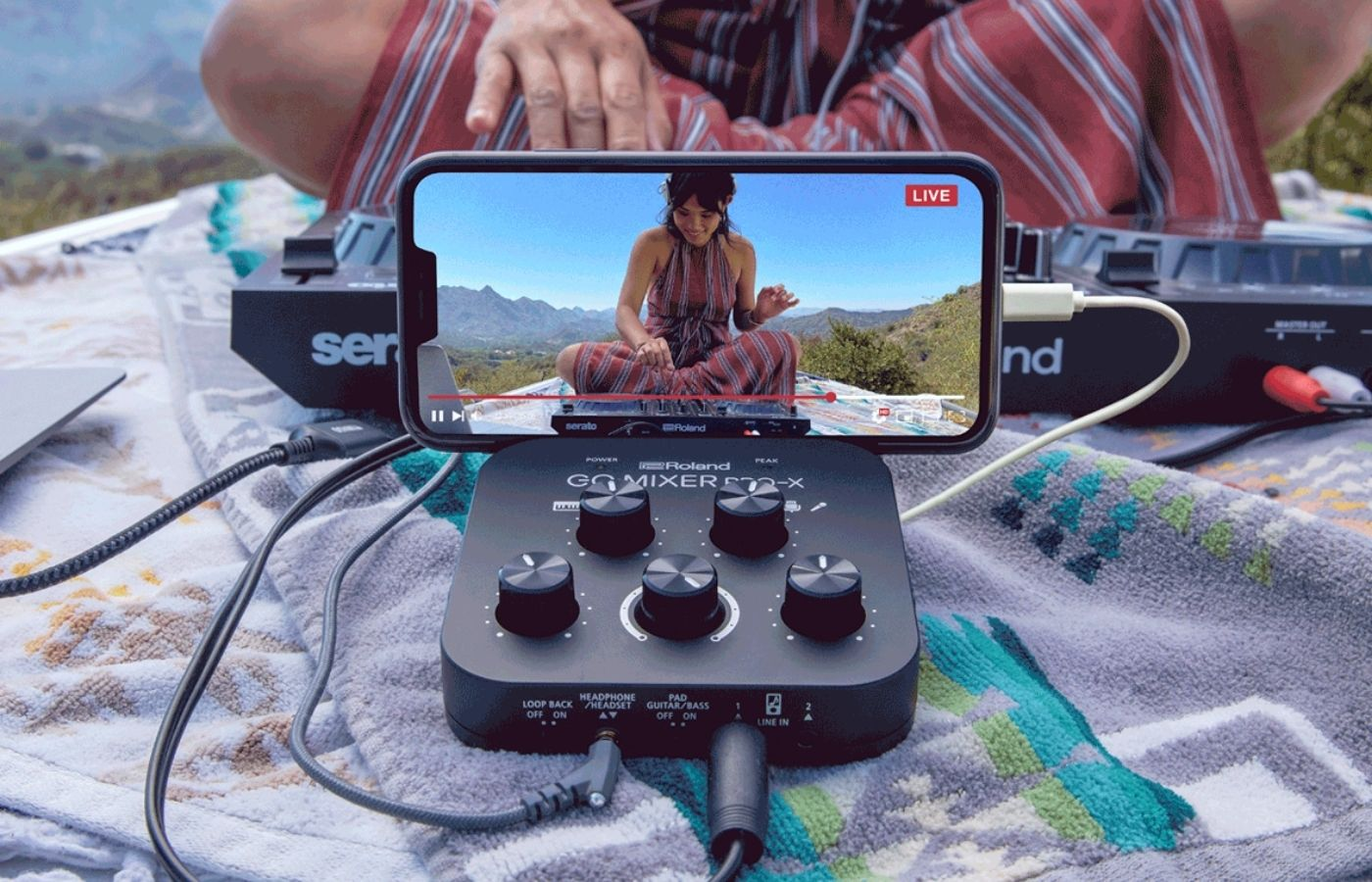 Roland lanza un nuevo mixer portátil para transmitir desde tu teléfono