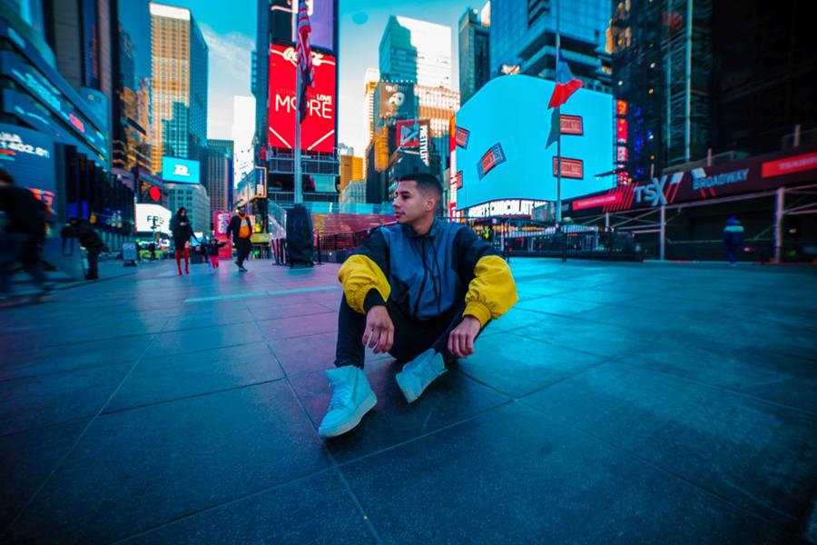 """Escucha el nuevo single """"Up And Down"""" de Harvy Valencia"""